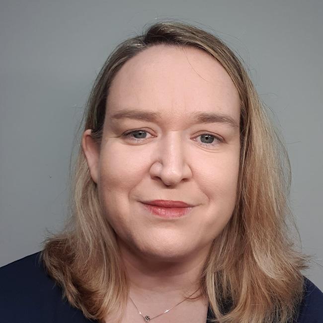 Dña. Cristina García Gómez